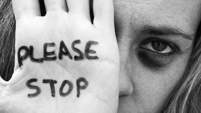 Pandemia a intensificat violența împotriva femeilor şi fetelor